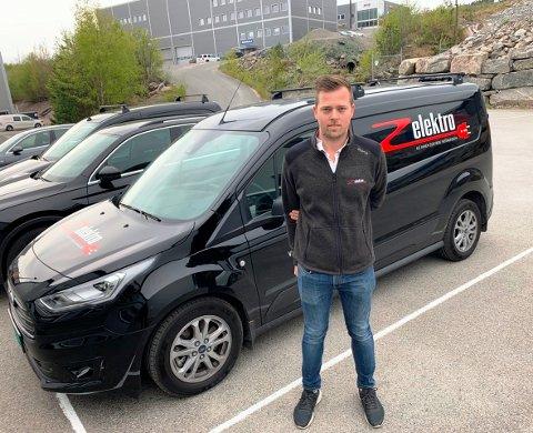OFFENSIV: Z Elektro AS i Skien, her ved faglig leder Kjetil L. Færaas, er på offensiven og har nettopp ansatt to nye medarbeidere