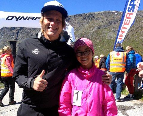 Knalltid: Linn Therese Helgesen på 12 år kom inn på tida 2.06.03, mens vinneren i herreklassa og best av alle lørdag var Sondre Øvre-Helland fra Viking med tida 1.25.30. Her er de to etter målgang.