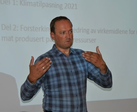Justert: Oppland APs landbrukspolitiske talsmann, Ivar Vistekleiven, presenterte torsdag Aps nye landbrukspolitikk på kommunehuset i Slidre.