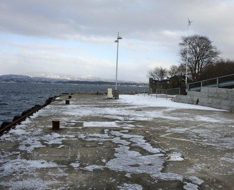 Gamle brygga: Det er vedtatt å inngå en femårig leieavtale av den gamle brygga på Tangen med Marinreparatørene, Nesodden Kajakklubb og indre Oslofjord undervannsklubb.Foto: Henriette Slaatsveen