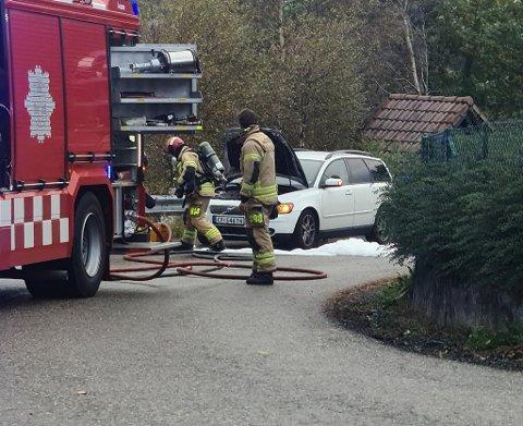 Nødetatene rykket ut på melding om bilbrann i Åsane onsdag.