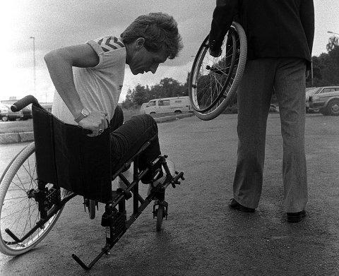 Historisk bilde og historisk kamp: Funksjonshemmedes Fellesorganisasjon FFO hevdet  at partier og politikere hadde løpt fra løftene de ga til de funksjonshemmede i 1981. Bilde fra valgkampen fire år senere.
