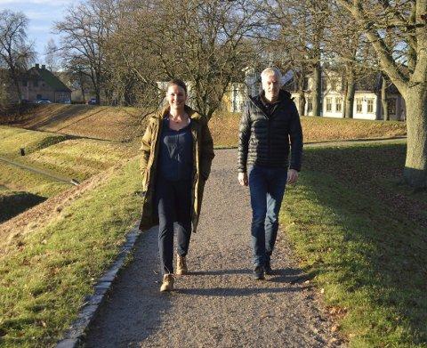 NY POSISJON: Gro Englund Børresen og Karl-Erik Diskerud i Tell Reklamebyrå skal hjelpe byens næringsforening og næringsliv med å bedre posisjonen Fredrikstad har som et sted å drive næring. Begge foto: Marianne Holøien