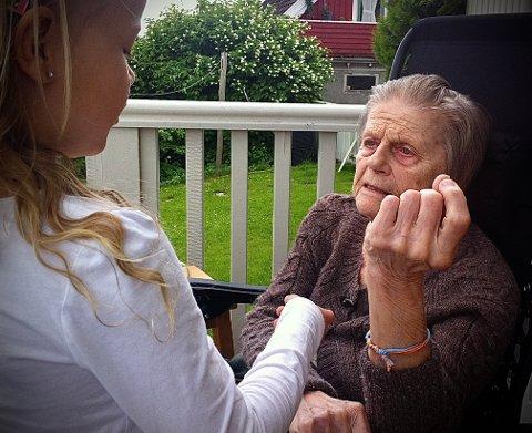 «Moren min var mattelærer. De siste årene hun levde gikk ikke regnestykkene opp. Det var ingen tall igjen, de forsvant og kom aldri tilbake.»