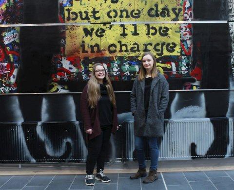 One day we'll be in charge: Therese Aschim Kornum og Thea Marie Henriksen Hære gleder seg til studenttilværelsen.