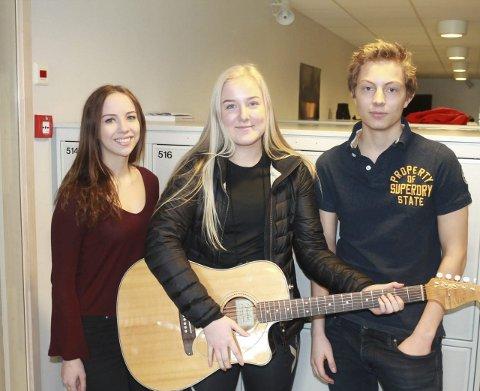 Fornøyde med linjen: Kristin Ulset (17), Ingeborg Grini Sørlie, Eivind Skari (17).
