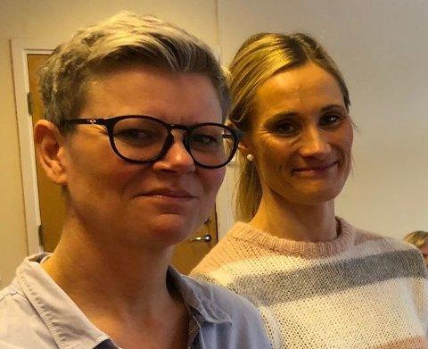 MUNNBIND: Mette Mosby Kristiansen og Anne Slette opplyser at det innføres bruk av munnbind i helse- og omsorg fra og med i dag, etter føre var-prinsippet.