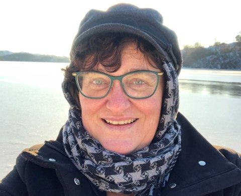 NY JOBB: May Britt Jensen går fra toppjobb hos Statsforvalteren i Rogaland til toppjobb i Norges minste kommune. Her er hun hjemme på Bømlo der hun vokste opp.