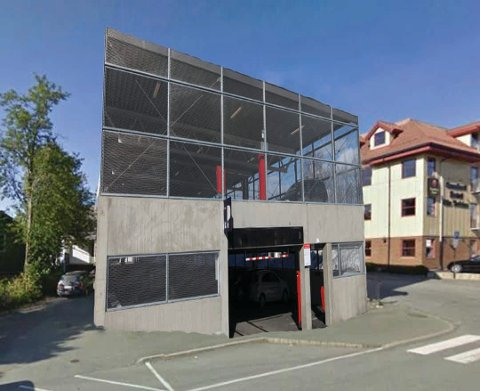 Dette parkeringshuset står egentlig i Gjøvik. Robin Myren har fotoshopet det inn i Lars Meyers gate 3.