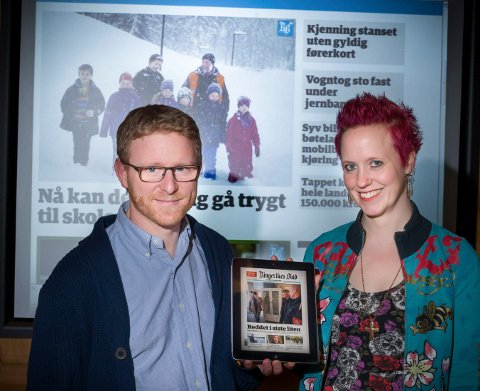 Ansvarlig redaktør Bjørn Harald Blaker og digitalleder Siv Storløkken i Ringerikes Blad kan glede seg over stadig flere lesere på mobil, og at at den nedadgående opplagstrenden ser ut til å ha snudd.