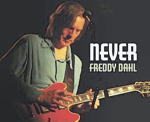 COVER: Never.Foto: Per D. Zaring