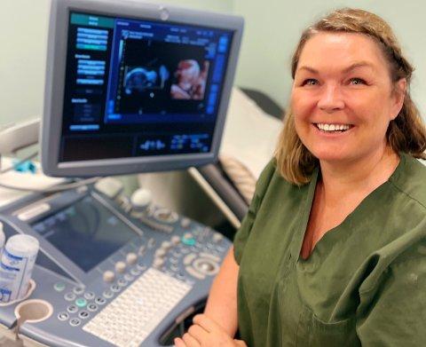 SØKER GRAVIDE: Fra nå til jul trenger Tove Nordahl å utføre 450 ultralydundersøkelser for å få utdanningen sin godkjent.