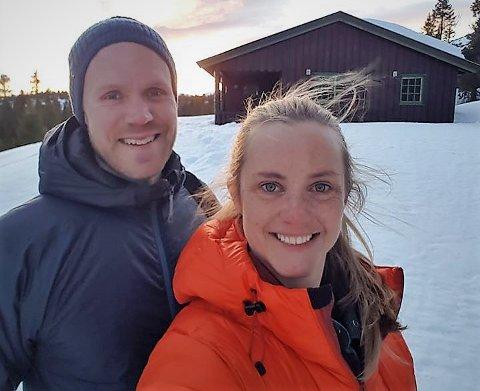 Hytteeiere: Onsdag ble Atle Sørlie (37) og Marie Thoresen (32) hytteeiere, men de måtte reise heim til Oslo samme dag.