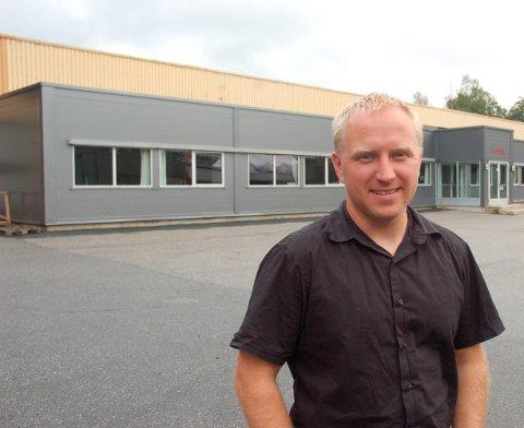 Mer plass: IMS kjøper mer plass på Moland. Øyvind Nilsen i IMS forteller at det nå er gjort avtale om kjøp av Hødnebø-bygget.foto: aab arkiv