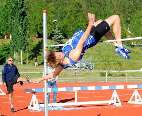 Jon Simen Mangset fra Moelven Friidrett var hårfint unna å sette personlig rekord i høyde.