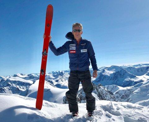 TOPPTUR: Hugo Maurstad er glad i å gå på ski, og kommer gjerne til Tromsø for å gå toppturer. Foto: Privat