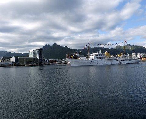 Med i artikkelen: Thon-hotellet, her med kongeskipet i forgrunnen.Foto: Hugo Johansen
