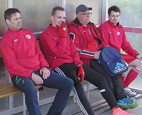 Knausen: Både Rune Pedersen (t.v.) og Preben Fagerlid (t.h.) spiller for Knausen i Svolvær. Her sammen med Kim Rune Sivertsen, som også fremdeles er med i Tippemesterskapet, og Hugo Strøm.
