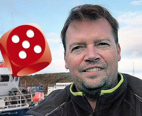 BEGEISTRET: - Artig at vi ligger øverst på en god liste, smiler Rolf Laupstad, ordføreren i Berlevåg. Kommunen får god score for sitt slagord «Heftig og begeistret».          Foto: Hallgeir Johansen.