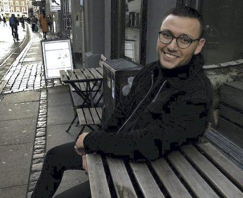 SER FRAMOVER: Patrick Piscot fra Tynset innrømmer at han har hatt tøffe tider de siste årene. Men nå ser han framover, med utgivelse av egen låt etter jul og langsiktig satsing på musikk.