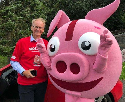 VIL IKKE HA GRISEKJØRING: Tryg-sjef Espen Opedal lanserer den nye Sidekick-appen. Selskapet håper at det frister unge å spare penger på forsikringen, slik at grisekjøring unngås.