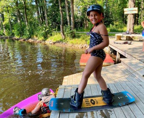 KLAR: Thelma Holder Haugen anbefaler alle å teste vannparken på Eik hvis de vil ha det litt moro i sommer.