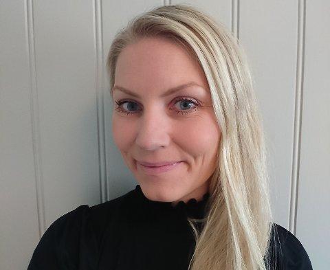 Camilla Knutsen (41) har jobbet i reindriftsforvaltningen siden 2006 og har nå blitt ansatt som reindriftsdirektør.  Foto: Fylkesmannen i Trøndelag