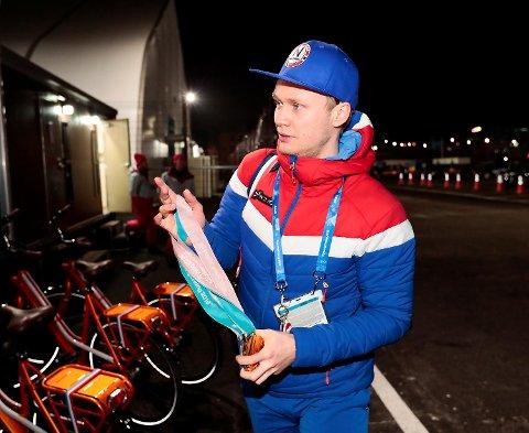 Håvard Holmefjord Lorentzen er både sliten og syk, og derfor blir det ingen mottakelse for OL-helten på Flesland. I stedet inviteterer Fana IL til feiring torsdag. (Foto: Lise Åserud / NTB scanpix)