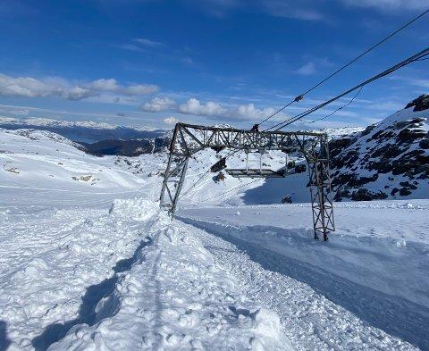 Fonna Glacier ski resort er nå klar til sesongåpning. Det er mindre snø i år enn det var i fjor, men daglig leder i Visitfonna AS, Michael Iversen, ser likevel lyst på årets sesong.