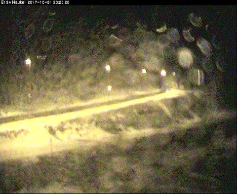 HAUKELIFJELL: Klokken 20 tirsdag kveld så det slik ut på vegvesenets webkamera på Haukelifjell.