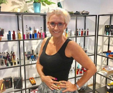 Ruth-Elin Vapequeen Bergum Sveinall er eier og daglig leder av Kristiansand Damputstyr AS. Hun ønsker å satse på nikotinfrie e-sigaretter og e-juice med all slags smaker på Mo og i Mosjøen.