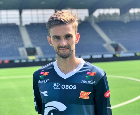 Den tidlegare Rosendal-, Haugesund- og Trio-spelaren skal no spela for Viking. Pressefoto: Viking.