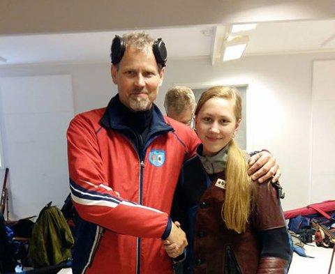 Roy Håkstad har de siste årene vært den fremste skyteprofilen i Troms. Denne sesongen er han for første gang blitt slått av datteren Torinn i en felthurtigkonkurranse - disiplinen der Håkstad er norsk mester fire ganger. Foto: Privat
