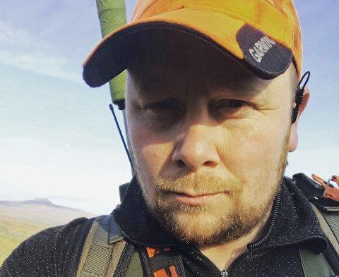 BER OM HJELP: Tommy Mortensen, leder i småviltutvalget i NJFF - Troms, håper på hjelp fra elgjegerne i høst.