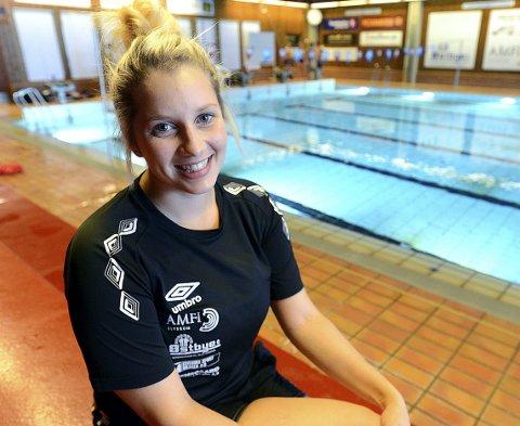 NY HOVEDTRENER: Julia Grace Meyer trer inn i rollen som hovedtrener i Elverum Svømming 1. oktober. 25-åringen fra Horten har store ambisjoner i treneryrket.
