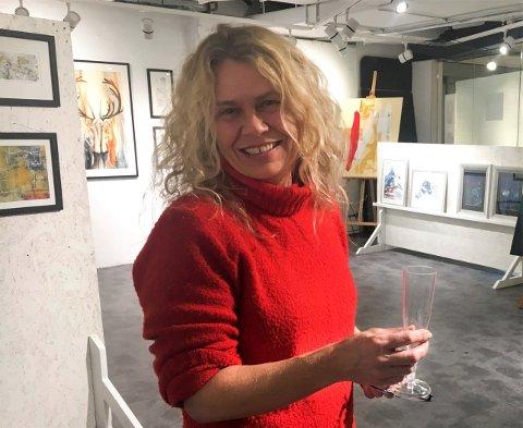 Festivalkunstner: Hilde Strand skal fylle låven i Leirskardalen med akvareller under Jamtjordmartnan.