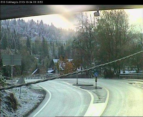 HVIT MORGEN: Snø på Sollihøgda, fredag 4. oktober.
