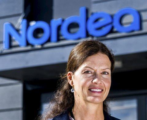 MANGE ER ENGSTELIGE: Leder av Nordea-bankene i gamle Østfold, Elisabeth Skjønhaug, forteller at mange er bekymret og fortvilet for at økonomien ikke skal holde i den krevende situasjonen.