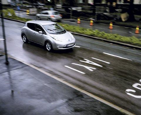 VEDVARE: Miljøstiftelsen Zero sier det er viktig at det elbilfordelene videreføres for at Norge skal nå utslippsmålene.  FOTO: NTB scanpix