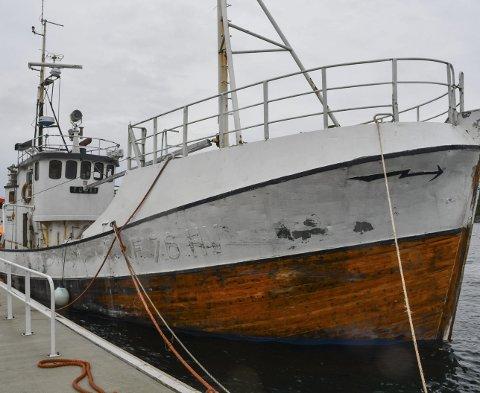 Tokai: Ble forlatt her ved Hagefjordbrygga i mai. Senere har kommunen slept den inn til Dypvåg brygge. Arkivfoto