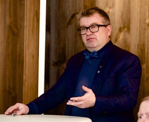 PENGER TIL FERIEN: Dan Håvard Johnsen mente selv at han burde få feriepenger i tillegg til ordførergodthjørelsen. Nå havner saken hos fylkesmannen. Foto: Ola Solvang