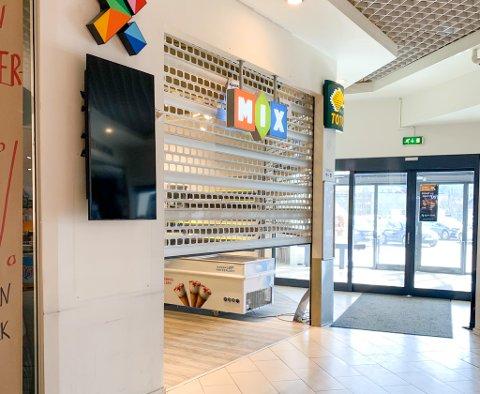 SLUTT: Mandag foregikk det vareopptelling i Eiker-Kiosken (Mix) på Eiker Senter etter at eieren begjærte oppbud og det ble åpnet konkurs i forrige uke.