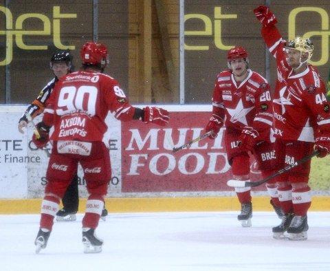 MÅLTYV: Victor Backman (til høyre) håper at det blir ny seier mot Vålerenga torsdag. Foto: Sofie Kitterød