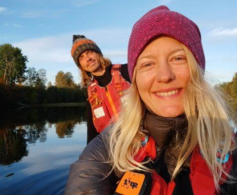OPPLEVELSER: Været skifter, men opplevelsene står i kø for Ylva Hatlebrekke og Kev Brady. De regner med å bruke minst to uker til på turen.