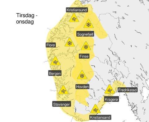 Det er sendt ut gult farevarsel i forbindelse med kraftig vind langs store deler av kysten i Sør-Norge natt til onsdag.