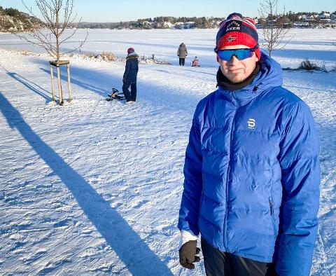 DAGENS HELT: Arturs Malenders fra Hafslund bistod med å redde opp en gutt som satt seg fast i bakken i Glengshølen lørdag.
