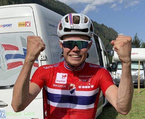 NÅDDE SESONGMÅLET: Erik Hægstad var strålende fornøyd etter å ha blitt 19. mann i verdenscuprittet i terrengsykling i Italia.