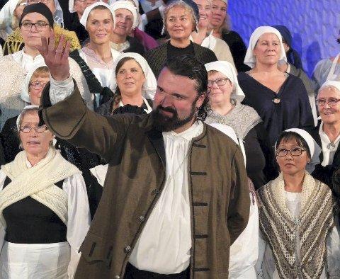 Petter Dass: Hans-Erik Dyvik Husby gestaltet Petter Dass i kirkespillet «Petter».foto: Hugo Johansen