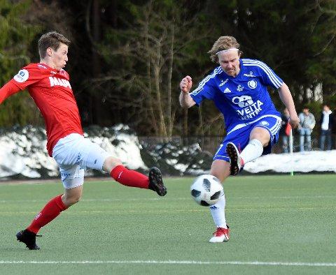 TØFT: Mats Ulvund Paulsberg og Oppsal klarte ikke å hamle opp med OBOS-laget Kongsvinger.