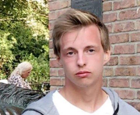 SAVNET: Politiet ønsker å komme i kontakt med alle som kan ha sett eller ha informasjon om hvor 21 år gamle Markus Johansen fra Tromsø er. Onsdag er han meldt savnet.